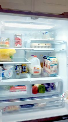 Deep Cleaning Lists, Cleaning Walls, Cleaning Tips, Expired Food, Clear Bins, Kitchen Organization, Organizing, Drawer Shelves, Cleaning Service