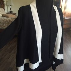 Poncho style sweater Banana Republic, made of Italian Yarn. In great condition. Banana Republic Sweaters Shrugs & Ponchos