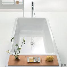 Hayon bath in white