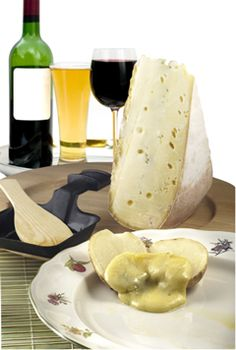 Wine and Cheese - Gourmet Wine Cheese Pairing Articles, Tips and Serving Guide