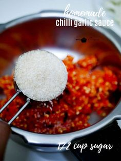 Homemade chilli garlic sauce recipe - Kannamma Cooks Sweet Chilli Sauce, Spicy Sauce, Garlic Sauce, Veggie Fries, Veggie Stir Fry, Peri Peri Sauce, Making Fried Rice, Sauce Recipes, Asian Recipes