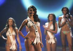 Miss Universo habla de la situación en Venezuela. - http://missuniversusa.com/miss-universo-habla-de-la-situacion-en-venezuela/
