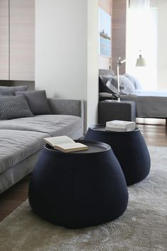 GORGEOUS BLUE COFFEE TABLES | amazing coffee table design | Discover more coffee tables ideas: www.bocadolobo.com #moderncoffeetables #luxurycoffeetables