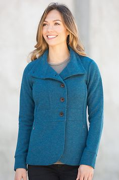 Beautifully contoured for a flattering silhouette, the Reese Cardigan flatters office wear, pair with evening-out clothes, and dresses up casuals. Free shipping + returns.