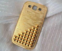 Golden Pyramid Studded Golden Samsung Galaxy S3 Case