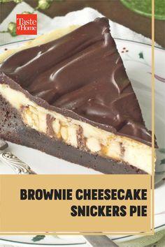 Brownie Cheesecake Snickers Pie Brownie Cheesecake, Brownie Recipes, Cheesecake Recipes, Pie Recipes, Yummy Recipes, Delicious Desserts, Yummy Food, Dessert Ideas, Deserts