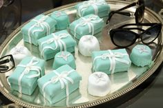 Cakes that look like Tiffany's boxes...I definitely have some friends that would love these
