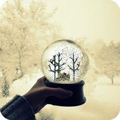 外の雪景色と相まって、なんとも幻想的。