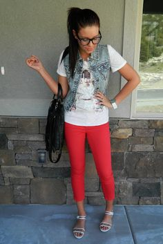 MY VERSION of dressing like a nerd. Wearing Nordstrom, Forever 21, GAP and Urban Outfitters. Outfit from The Red Closet Diary Blog. #nerd #fashion #fashionblogger