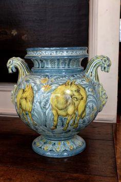 Vase en majolique italienne - Manufacture de Cantagalli