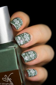 Sweater nail art stamping