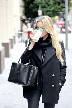 Mirrored sunnies + all black attire. #outfitinspiration #style