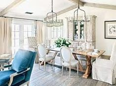 15 Pretty and Charming Shabby Chic Dining Rooms | Home Design Lover Shabby Chic Interiors, Shabby Chic Decor, China Hutch Decor, Shabby Chic Dining Room, Dining Rooms, Shabby Chic Painting, Shabby Chic Baby Shower, Chic Bathrooms, Decoration