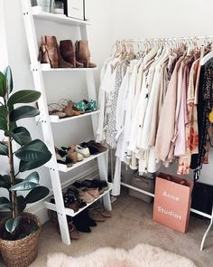 makeshift closet corner with clothing rack and ladder shoe shelf. - makeshift closet corner with clothing rack and ladder shoe shelf. Source by - Corner Closet, Closet Wall, Closet Bed, Closet Nook, Closet Space, Room Ideas Bedroom, Bedroom Decor, Makeshift Closet, Small Closets