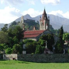 Avigliana, chiesa di San Pietro e Castello #myValsusa 03.05.17 #fotodelgiorno di Ufficio Informazioni Turistiche Avigliana