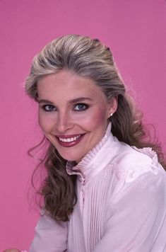 Chrissy Snow, Priscilla Barnes, Classic Comedies, Three's Company, Two Girls, Famous Women, Then And Now, Hollywood Actresses, Movie Tv