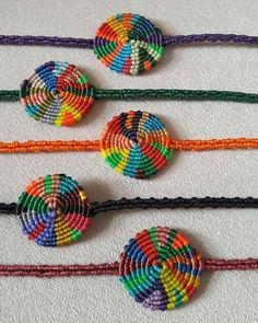 macrema bileklik instagram leman_av Diy Jewelry Necklace, Macrame Jewelry, Macrame Bracelets, Diy African Jewelry, Micro Macrame Tutorial, Boho Diy, Bijoux Diy, Bracelet Tutorial, Textiles