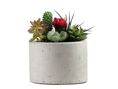 This minimalist concrete planter is the perfect complement to a bright bouquet of flowers and plants. #etsy #homepolish