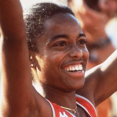 Evelyn Ashford | Evelyn Ashford - Biography - Track and Field Athlete - Biography.com. OS guld 100 meter i Los Angeles 1984.