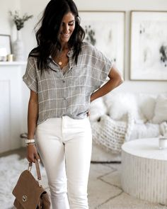 Flawless Summer Outfits Ideas For Slim Women That Looks Cool - Oscilling Summer Work Outfits, Office Outfits, Spring Outfits, Casual Outfits, Cute Outfits, White Jeans Outfit Summer, Office Attire, Office Wear, Summer Office Style