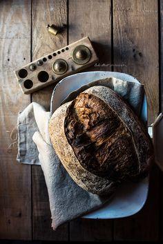 Bread with wine pears dehydrated and hazelnuts - Pan con peras al vino deshidratadas y avellanas - Bake-Street.com