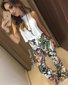 I love the pants! Great print and color! Fast Fashion, Cute Fashion, Chic Outfits, Fashion Outfits, Fashion Tips, Spring Summer Fashion, Spring Outfits, Everyday Outfits, Get Dressed