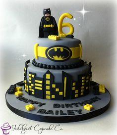2 tier Batman cake..........
