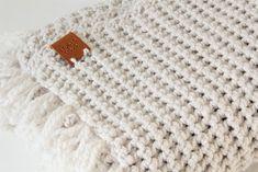 Free crochet pattern: BLANKET - Freubelweb - Crochet baby blanket with sturdy structure (free pattern) - Crochet Bebe, Love Crochet, Diy Crochet, Single Crochet, Baby Patterns, Knitting Patterns, Crochet Patterns, Embroidery Hearts, Baby Blanket Crochet
