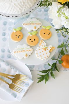 How to host 'A Little Cutie is on the way' Baby Shower to shower a mom-to-be with love and welcome a new bundle of joy into the world! Shower Orange, Peach Baby Shower, Baby Shower Fruit, Baby Shower Cookies, Gender Neutral Baby Shower, Baby Shower Games, Baby Boy Shower, Baby Showers, Bridal Showers