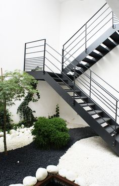 1000 images about escalier exterieur on pinterest interieur stairs and metals. Black Bedroom Furniture Sets. Home Design Ideas