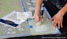 How to Stencil a Pretty DIY Rug with Chalk Paint & Floor Stencils – Royal Design Studio Stencils Stenciled Tile Floor, Painted Floor Cloths, Painted Rug, Painted Floors, Stencil Rug, Chalk Paint Projects, Diy Projects, Diy Painting, Painting Rugs
