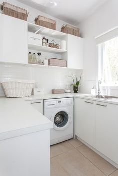 Over 40 different creative laundry room ideas, cabinet, designs and hacks to help make your laundry adventures a little more pleasant and functional. managing to fit everything you need in a small laundry room. Laundry Decor, Laundry Storage, Laundry Room Design, Laundry In Bathroom, Design Kitchen, Kitchen Ideas, Laundry Room Layouts, Laundry Area, Wall Storage