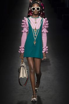 Gucci Fall 2016 Ready-to-Wear Collection Photos - Vogue #Gucci  #fashion  #Koshchenets