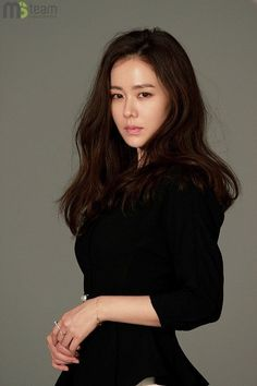 It's plain fact that absolutely no camera angle can hinder actress Son Ye Jin's flawless beauty. Korean Beauty, Asian Beauty, Korean Celebrities, Celebs, Flawless Beauty, How To Pose, Face Hair, Beautiful Asian Women, Korean Actresses