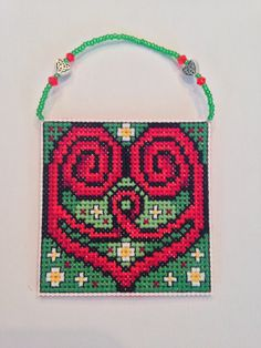 Celtic heart from Frony Ritter Designs converted into Christmas colors.