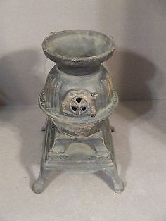 "ANTIQUE MINIATURE CAST IRON SALESMAN SAMPLE 7.5"" POT BELLY STOVE"