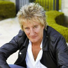 Check out Rod Stewart @ Iomoio Penny Lancaster, Rod Stewart, Music Tv, Mother And Child, Forever Young, Hot, Singers, Faces, David
