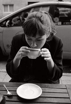 Anna Karina coffee and bangs Anna Karina, Blood Pressure Remedies, Coffee Cups, Coffee Time, Drink Coffee, Coffee Break, Tea Time, Morning Coffee, Cappuccino Coffee