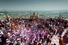 The best Holi is the one held in the land of Lord Krishna. This year, celebrate Holi in Mathura, Vrindavan, Gokul and Barsana with the help of Wheelstreet.