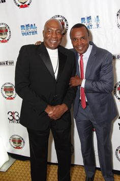 Earnie Shavers and Sugar Ray Leonard at The Nevada Boxing Hall of Fame Gifting Gala