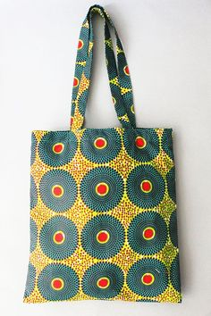 Ankara Inspired Pieces For Cute Couples 2019 Shopper Bag Shopping Bag African Tote Bag Ankara Print The post Ankara Inspired Pieces For Cute Couples 2019 appeared first on Bag Diy. Ankara Bags, African Crafts, African Accessories, Fabric Bags, Shopper Bag, Green Bag, African Fabric, Cloth Bags, Handmade Bags