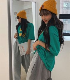Legging Outfits, Outfit Jeans, Outfits With Hats, Curvy Outfits, Grunge Outfits, Jean Outfits, Beanie Outfit, Girl Beanie, Casual Winter Outfits
