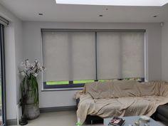 Sunscreen roller blinds with pelmets Modern Net Curtains, Modern Blinds, Blinds For Windows Living Rooms, House Blinds, Remote Blinds, Magnetic Blinds, Discount Blinds, Blinds Inspiration, Made To Measure Blinds