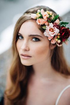 46 Romantic Wedding Hairstyles with Flower Crown + DIY Tutorials - Wedding Crown Romantic Wedding Hair, Vintage Wedding Hair, Wedding Hair Flowers, Wedding Hair And Makeup, Wedding Veils, Flowers In Hair, Fall Wedding, Trendy Wedding, Diy Wedding