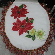 Dibujo de campa as y ponsetias pirograbados y pintadas a - Pintura en tela motivos navidenos ...