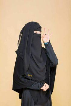 Hijab Niqab, Muslim Hijab, Niqab Fashion, Girl Fashion, Womens Fashion, Muslim Girls, Muslim Women, Hijab Collection, Hijab Cartoon