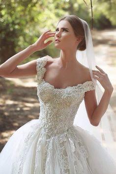 $249-Lace Applique Beaded Ball Gown Wedding Dresses Off-shoulder Retro Court Train Bridal Gowns