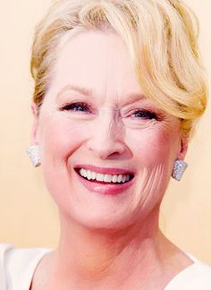 This is the absolute most beautiful picture of Meryl ever. Who could be more gorgeous?