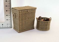 Amber's House: 1:12 scale basketry and other things.