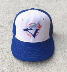 0bb26718e93 Vintage Toronto Blue Jays New Era Fitted Hat - Size 6 1 2 New Era
